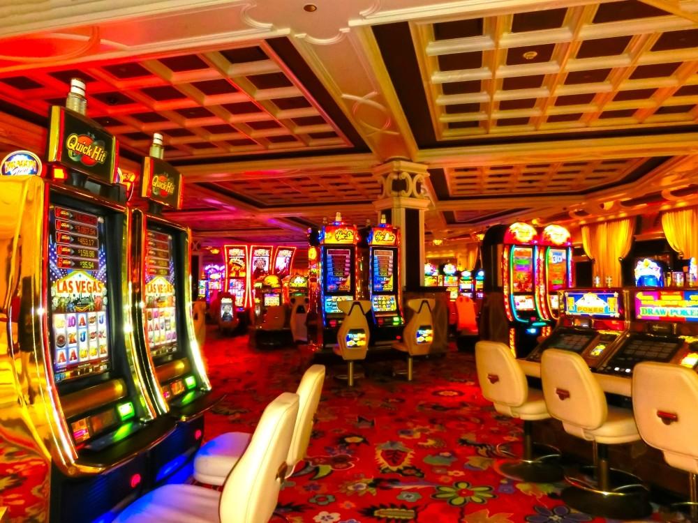 Sala cu masini de casino pacanele pentru a juca sloturi