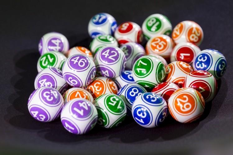 loterii virtuale mingi cu numere loto