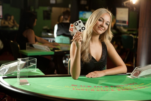 live-blackjack-female-dealer.jpg