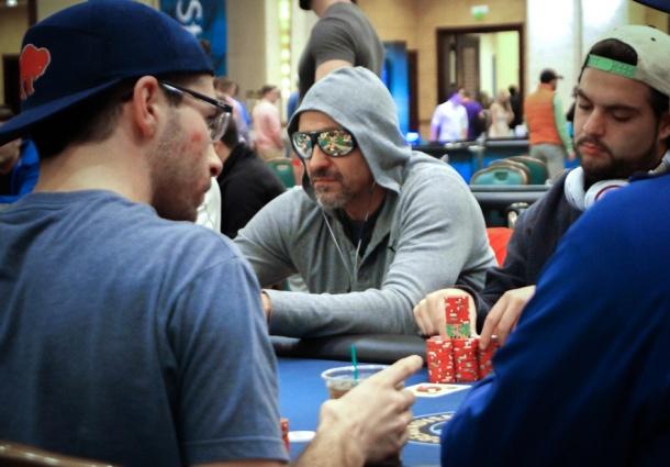 poker-read.jpg
