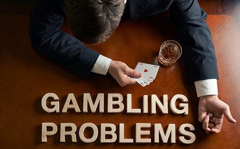 jocuri de noroc un barbat care face gambling
