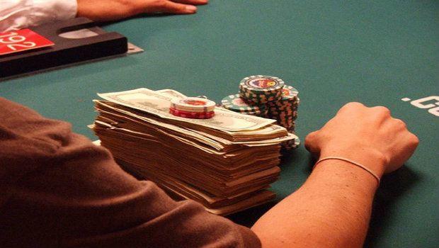 Strategii poker cash yellow sub poker